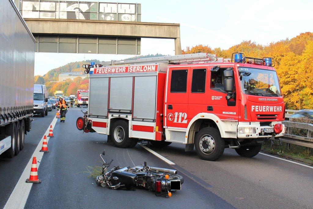 motorradfahrerin verletzt sich bei sturz auf der a46 schwer | ikz