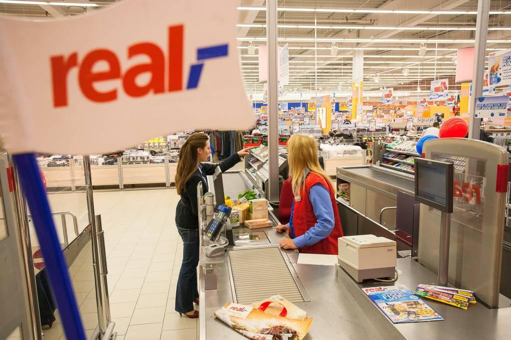 Metro Will Real Verkaufen 34 000 Mitarbeiter Bangen Ikz Onlinede