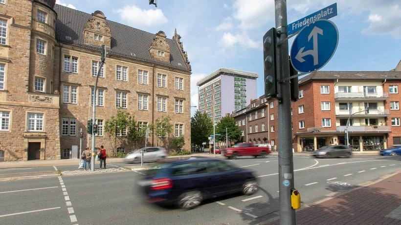 VERKEHR: Fußgängerampel am Amtsgericht fordert viel Geduld