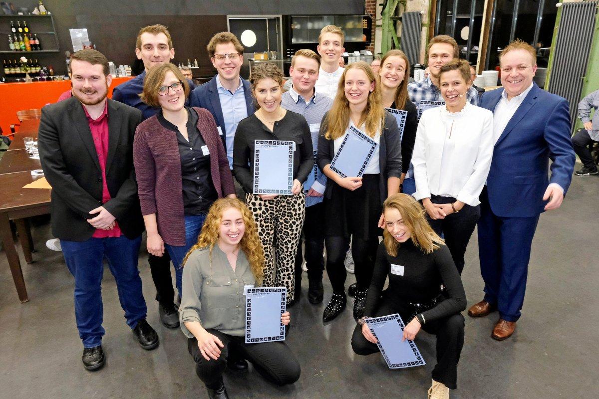 Bald Bewerbungsschluss: Bochum sucht junge Ehrenamtliche