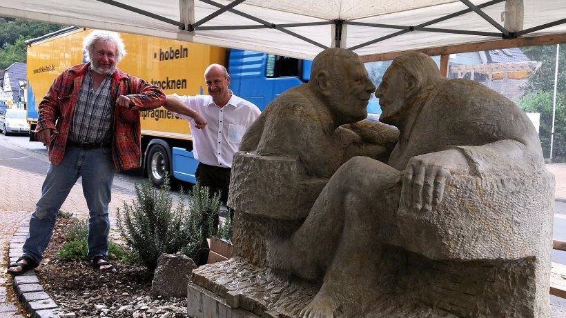 Kirchhundem: Kunstwerk am Rathaus ist nun fertig